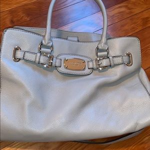Well maintained lightly used Michael Kors purse